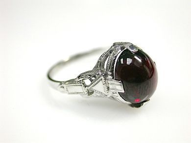 71272-July/Cabochon Garnet Ring CFA1304400