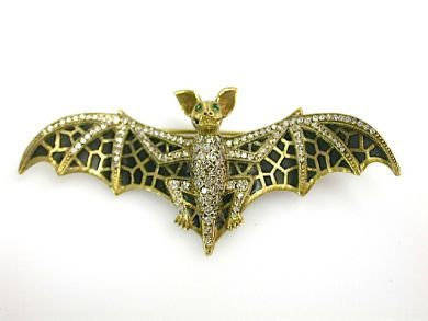 71422-May/Enamel Bat CFA1305169