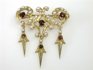 71840-July/Garnet Brooch CFA1304246