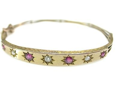 71906-July/Victorian Hinged Bangle CFA130716