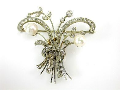 71989-July/Diamond Floral brooch CFA1307170