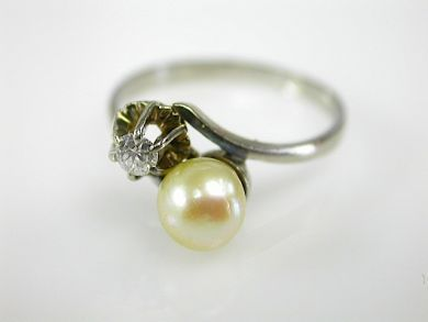 73382-October/Pearl and Diamond Ring CFA1309308