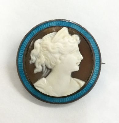 Antique Carved Cameo Brooch 2
