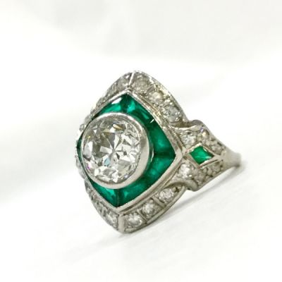 Art-Deco-Diamond-and-Emerald-Ring-CFA180426-84833a