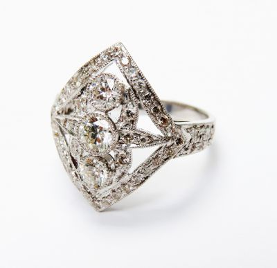 Art-Deco-Inspired-Diamond-RIng-CFA160281-80682