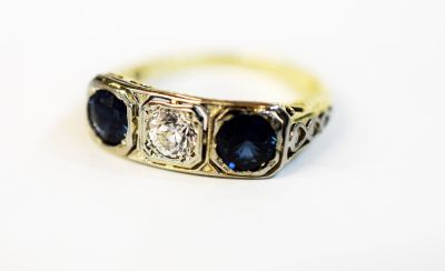 Art-Deco-Sapphire-and-Diamond-Ring-AGL66228-82740
