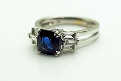 Art-Deco-Style-Sapphire-and-Diamond-Ring-AGL76228-84851a