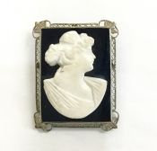 Art Deco Carved Banded Agate Cameo Pendant