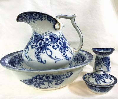 Art Nouveau Royal Doulton Jug   Basin Set 5