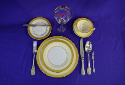 Aynsley-Sandringham-Dinnerware-Christofle-Silver-Plate-Flatware-and-Gold-Rimmed-Goblet1