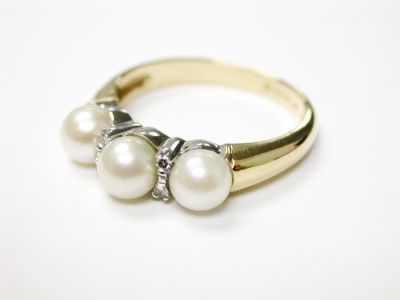 Birks-Pearl-and-Diamond-Ring-CFA1404408-75566