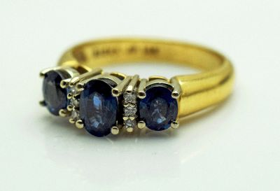 Birks-Sapphire-and-Diamond-Ring-AGL79880-84848a