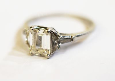 Birks-Vintage-Emerald-Cut-Diamond-Ring-AGL68361-83105