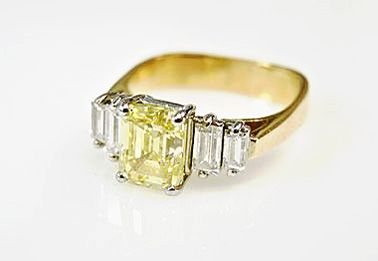 Birks-Vintage-Yellow-Diamond-and-Diamond-Ring-CFA1701137-83273