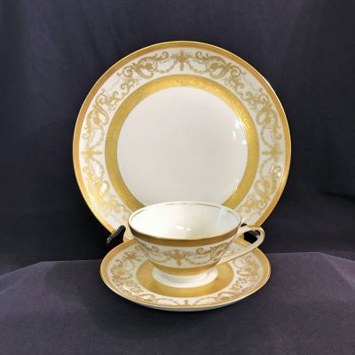 Bohemia Porcelaine De Luxe Dinner Service for 12 c