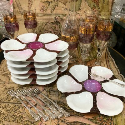 Burgundy White and Mauve Oyster Plates