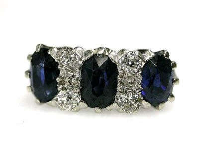 CFA 2014/Three Stone Sapphrie Ring CFA1210216 69200
