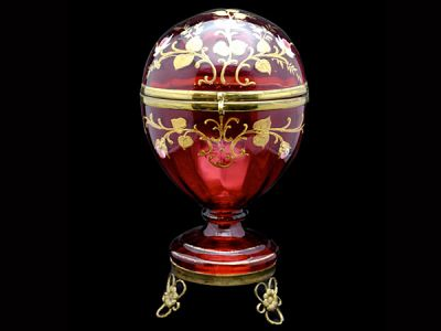 Cranberry Glass Hinged Egg  CG007 REVISED