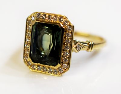 Edwardian-Inspired-Green-Sapphire-and-Diamond-Ring-AGL76219-84250