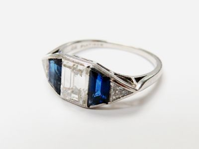 Ellis-Bros-Art-Deco-Diamond-and-Sapphire-Ring-CFA151107-80261B