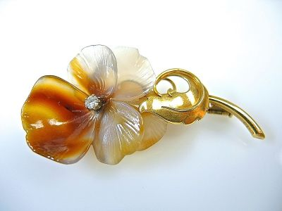 Floral Carved Agate Brooch CFA1403264