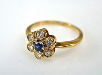 Floral Sapphire Ring