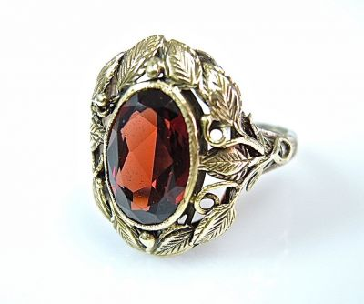Garnet Leaf Motif Ring CFA140622