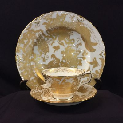 Gold Aves by Royal Crown Derby 4