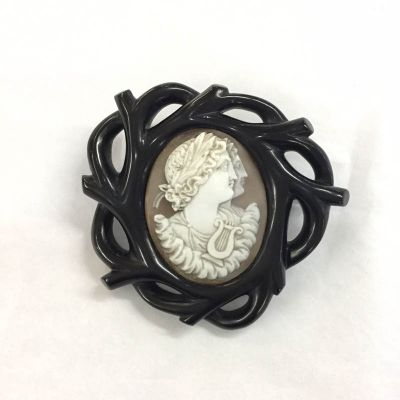 Victorian Carved Conch Shell Cameo Brooch