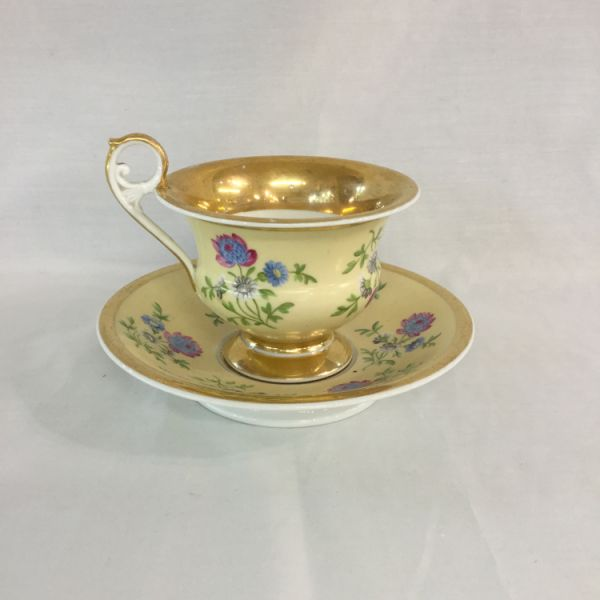Mid-Nineteenth-Century-French-Porcelain-Cup-and-Saucer