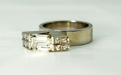 Modern-Diamond-Ring-CFA1709105-84046a