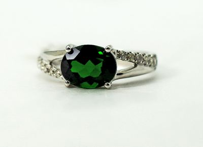 Modern-Diopside-and-Diamond-Ring-CFA1505179-79437a