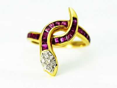 Modern-Ruby-and-Diamond-Snake-Ring-GT147811-85153a