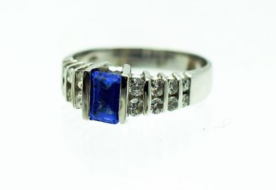 Modern-Tanzanite-and-Diamond-Ring-CFA1711195-84348a