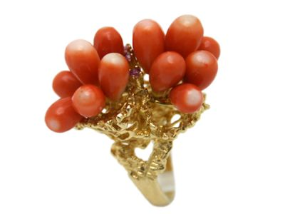 New Jewellery Aug 2010/Ring 14 kt Yellow Gold Coral and Ruby Coral Reef Design 3