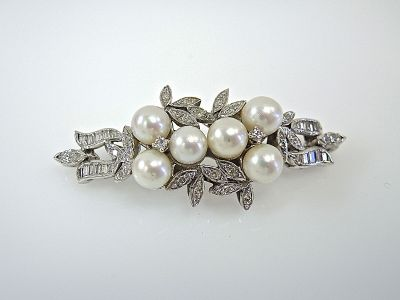 Pearl and Diamond Brooch CFA1404107