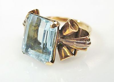 Retro Aquamarine Solitaire Ring