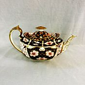 Royal-Crown-Derby-Imari-2451-Teapot a