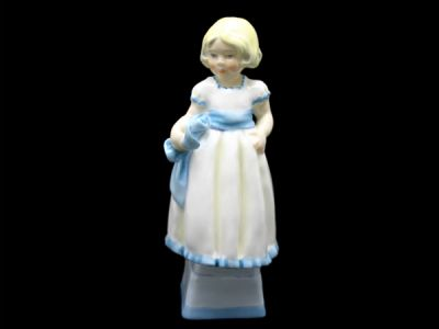 Royal Worcester Monday Child RW022 1