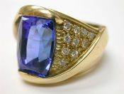 Tanzanite and Diamond Modern Ring