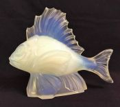 Verlys Opalescent Glass Fish