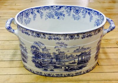 Victorian Blue and White Chinese Pagoda Scene Transfer Decorated Barrel Form English White Ironstone Foot-Bath