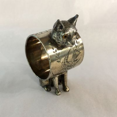 Victorian  American Silver-plate figurative napkin ring  of a cat with napkin ring making up its body