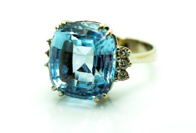 Vintage-Aquamarine-and-Diamond-Ring-CFA1711269-84395c