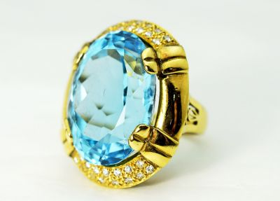 Vintage-Blue-Topaz-and-Diamond-Ring-CFA1711129-84327a