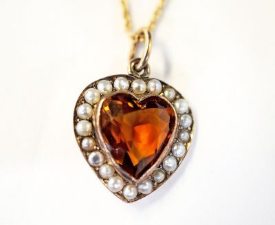 Vintage-Citrine-and-Pearl-Heart-Pendant-CFA1301192-70310a