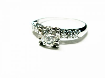 Vintage-Diamond-Engagement-Ring-AGL43189-77675 a