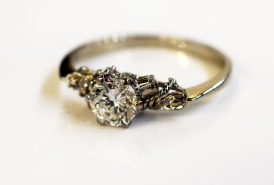 Vintage-Diamond-Solitaire-Ring-AGL72988-83755