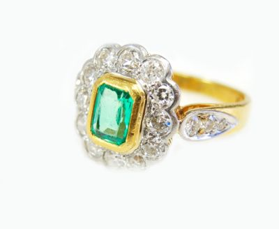 Vintage-Emerald-and-Diamond-Cluster-Ring-CFA190419-85693a