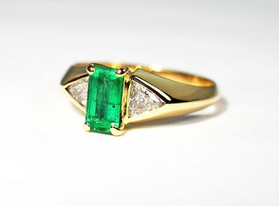 Vintage-Emerald-and-Diamond-Ring-AGL80544-84923aa